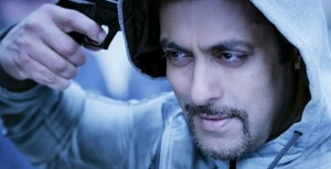 Kick-Movie-Salman-Khan-Gun-Stills-Wallpaper